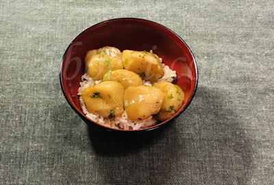 「ホタテの丼」北海道紋別市の返礼品「帆立」の食レポ♪